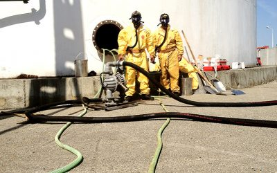 Refinery, IRAQ – Cleaning of oil tanks